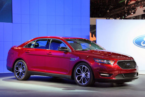 Ford-Taurus-2013-1
