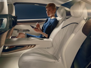 bmw-vision-future-luxury-49-750x561