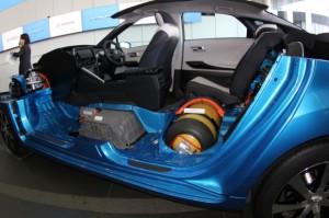 2015-Toyota-Mirai-inside-620x412