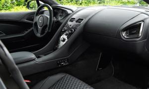 Aston-Martin-Vanquish-One-of-Seven4