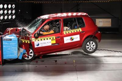 Luego de incumplir la promesa de instalar airbags para los ocupantes en su  versión estándar 75b31f607c4a