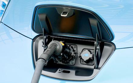 BMW / Nissan | firman acuerdo para instalar 150 estaciones de recarga en México