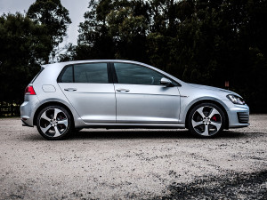 2014_volkswagen_golf_gti_first_drive_review_04-1001