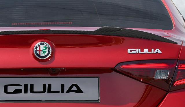 Alfa Romeo | nuevo logo, mística intacta