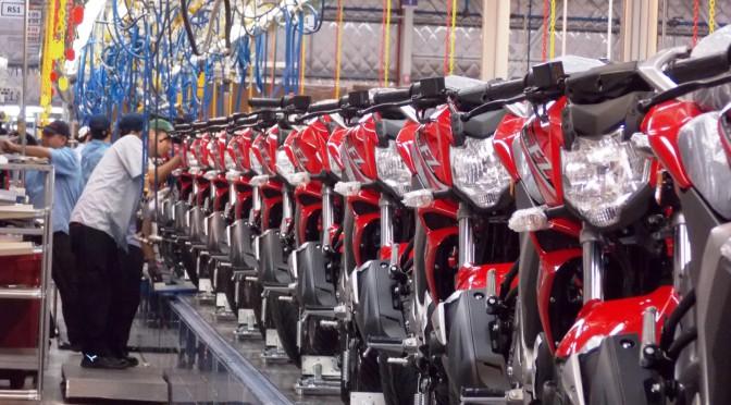 CAFAM y Gobierno Nacional   firman acuerdo por Producción y Empleo