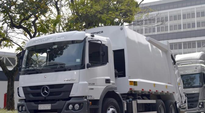 Mercedes-Benz | presenta camión recolector de residuos equipado con Allison