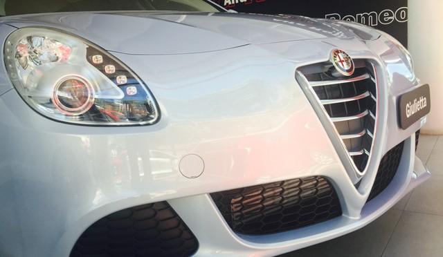Alfa Romeo   la Giulietta Sprint presenta nuevas opciones