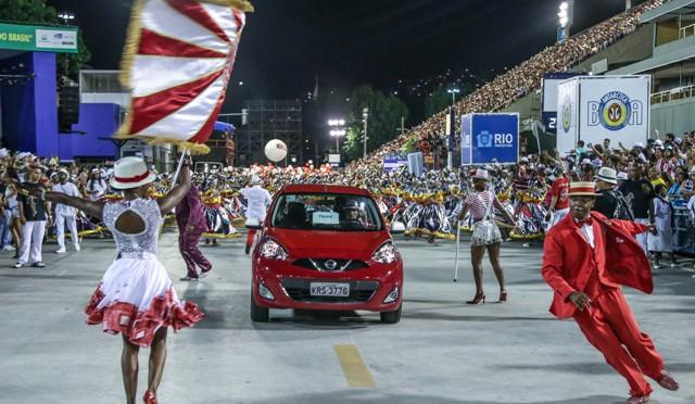 Nissan | March Colors alegra durante los ensayos del Carnaval en Río de Janeiro
