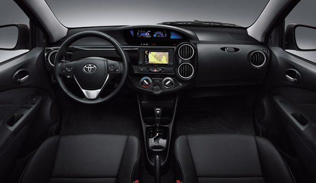 Etios Platinum | Toyota | lanzamiento de la versión top