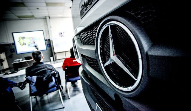Lider   Mercedes-Benz   comerciales y alta gama en Argentina