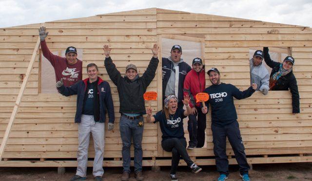 Techo | FCA/CNHi | RSE | construyen casas en Córdoba