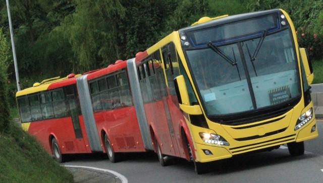 Bus Bi-Articulado | Scania | presenta la primer unidad impulsada por Gas Natural