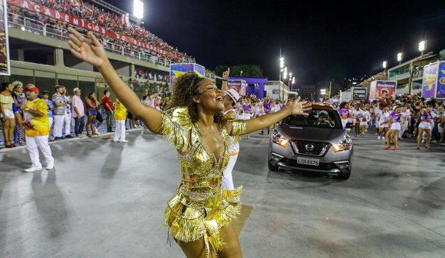 Kicks | Nissan | desfila con Escola do Samba Salgueiro