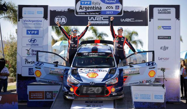 Shell   Helix   junto a Hyundai en el rally cordobés