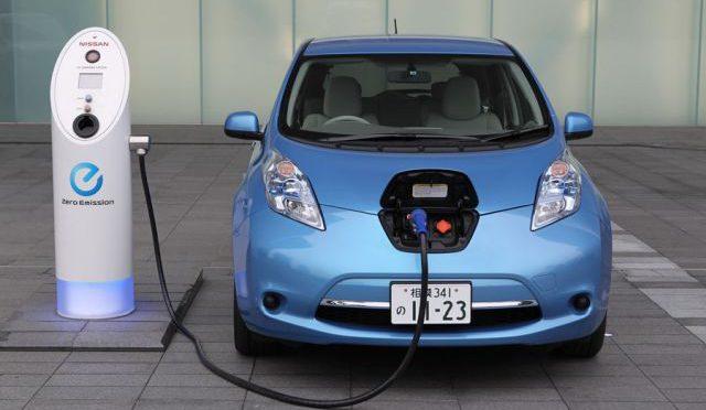 Nissan | instala estaciones de recarga en México