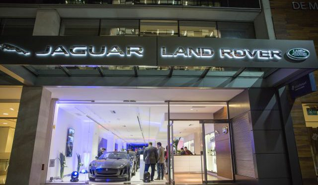 Jaguar y Land Rover | nuevo Showroom Boutique