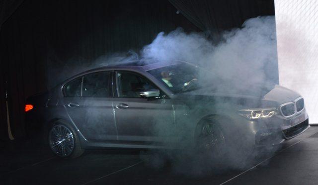 Serie 5   BMW   impactante, deportivo, elegante y conservador