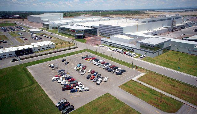Nissan | celebra el hito de producción a nivel global