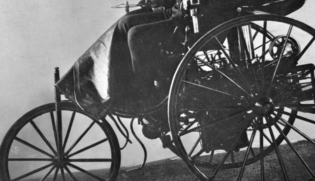 Mercedes-Benz   el automovil cumplió 132 años