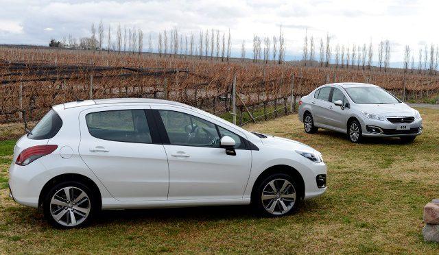 308 / 408   Peugeot   actualización de la gama de productos del Segmento C compacto