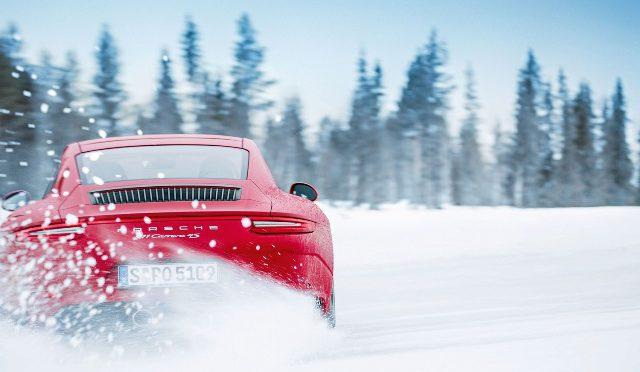 Traction Management   Porsche   agilidad, estabilidad y  tracción