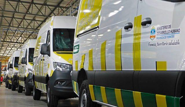 Mercedes-Benz   Entrega de ambulancias a Formosa
